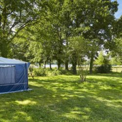camping-vendee-emplacement-caravanne