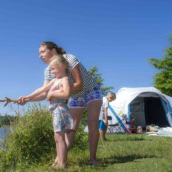 camping-vendee-peche-lac-famille