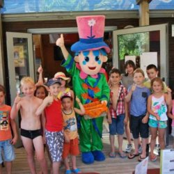 mister-flower-enfants-camping-lac-chausseliere